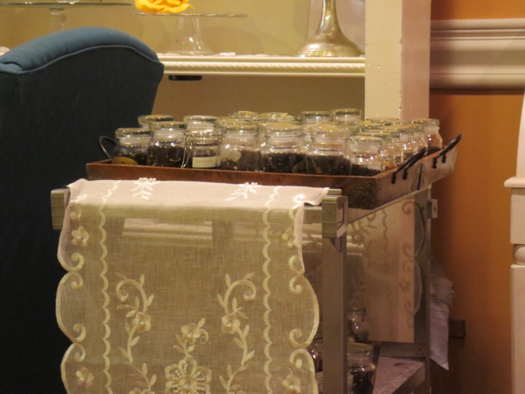 Tea cart, a brilliant idea with a chilly reception