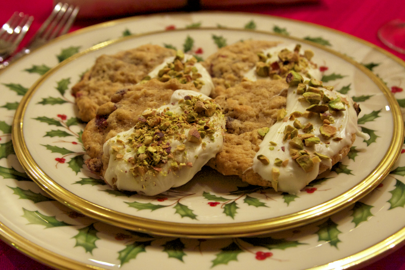 White Chocolate and Pistachio Dipped Cranberry Oatmeal Cookies